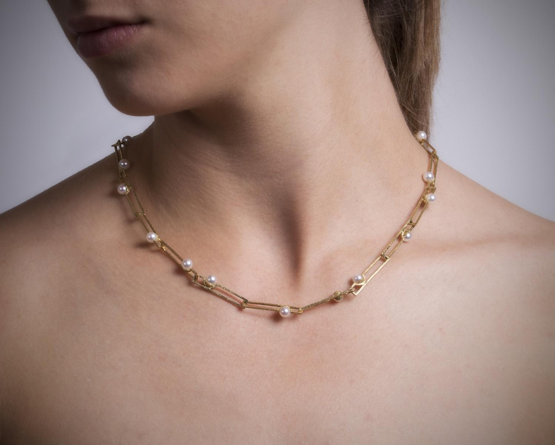 Sobre collares de perlas y otros clásicos_C1 copia